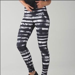 Lululemon High Time Shady Palms 7/8 Leggings